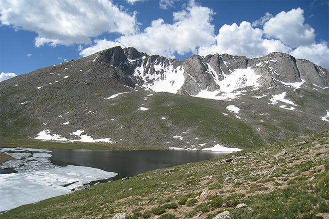 PICT Mount Evans with Summit Lake - Photo by By Boilerinbtown - Own work, CC BY-SA 3.0, https-//commons.wikimedia.org/w/index.php?curid=11823192