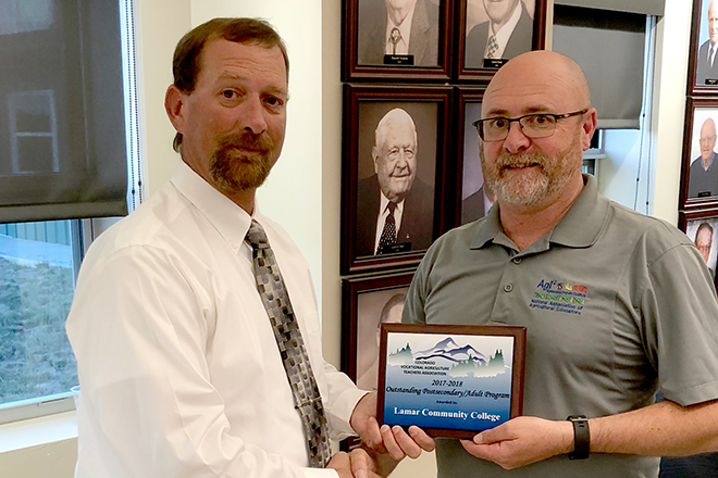 PICT Greg Cash Receives Ag Education Award