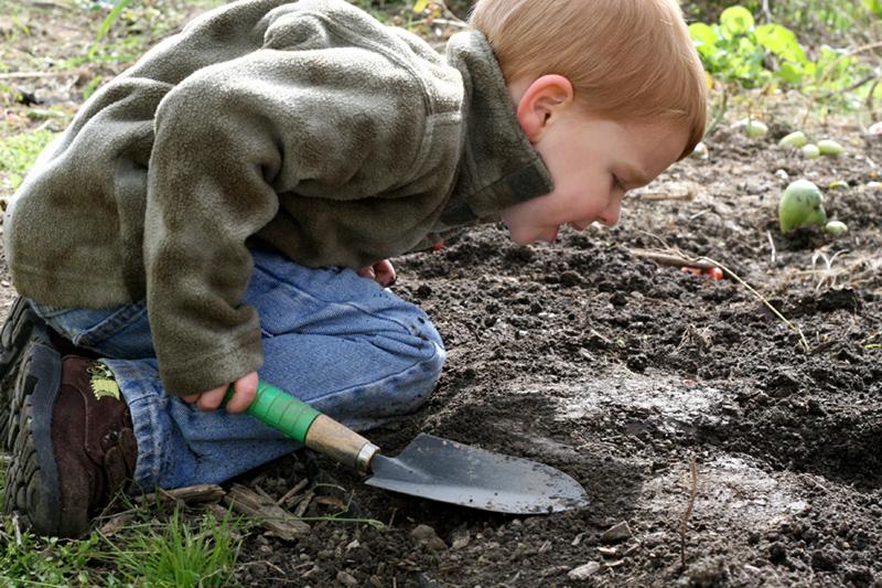 PICT Child in Dirt - Earthtalk