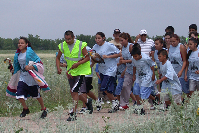 PICT Runners starting the 2009 Sand Creek Massacre Healing Run - Jeanne Sorensen