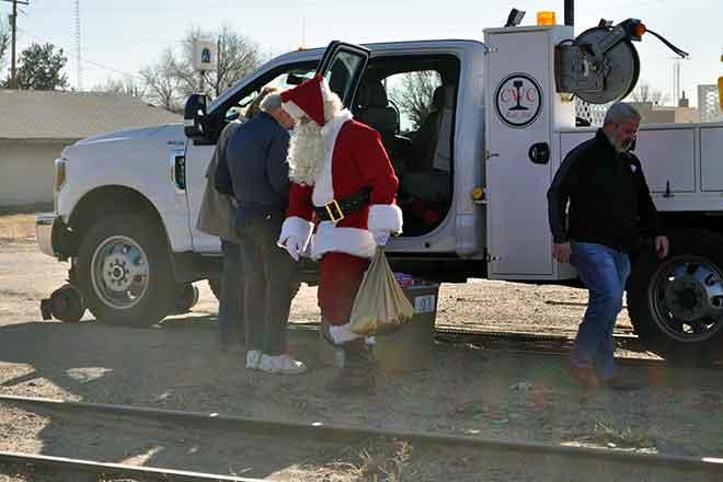 PICT Santa Claus Arrives by Rail in Eads 2 - Roland Sorensen