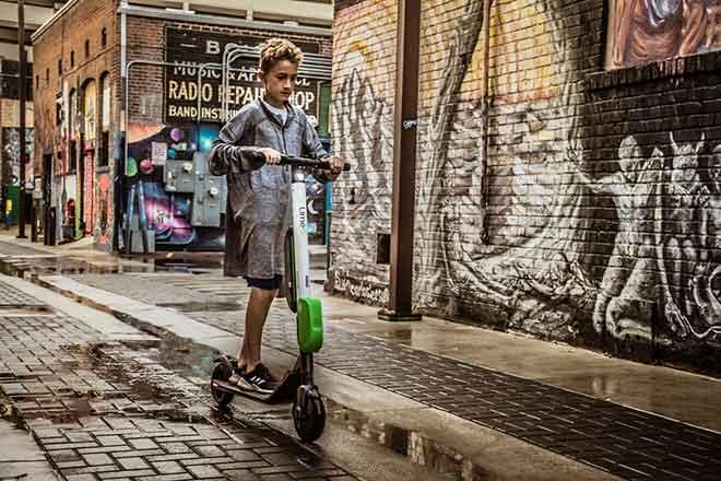 PICT 64J1 EarthTalk e-scooter - Pexels - Brett Sayles