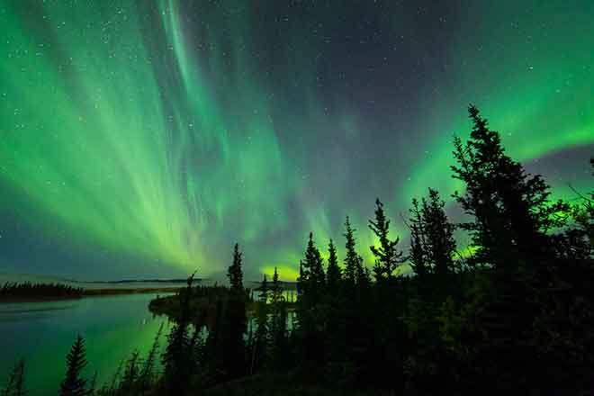 PICT 64J1 EarthTalk solar storm - Flickr CC - Keith Williams