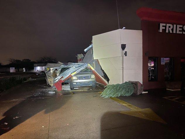 PICT Storm damage in Arlington, Texas - AccuWeather