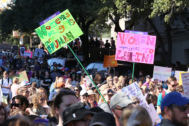 PICT Women's Rights March Austin Texas - Steve Rainwater - Wikimedia - Steve Rainwater from Irving, US (img_4281) [CC BY-SA 2.0 (https://creativecommons.org/licenses/by-sa/2.0)], via Wikimedia Commons