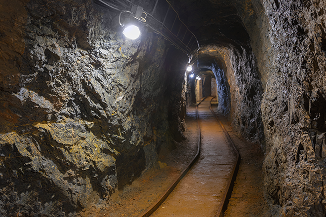 PROMO 660 x 440 Miscellaneous - Mine Tunnel Rail - iStock - svedoliver