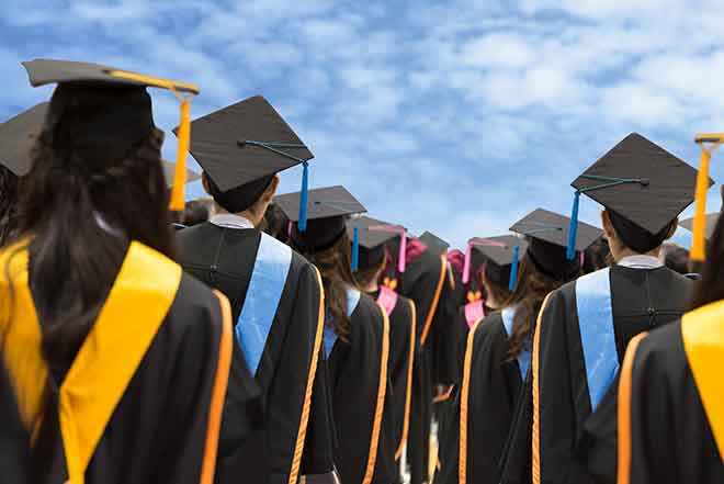 PROMO Education - Graduates Graduation People School Degree Learning - iStock - nirat