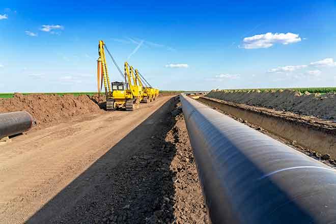 PROMO Energy - Oil Gas Pipleline Construction Machinery Equipment - iStock - RGtimeline
