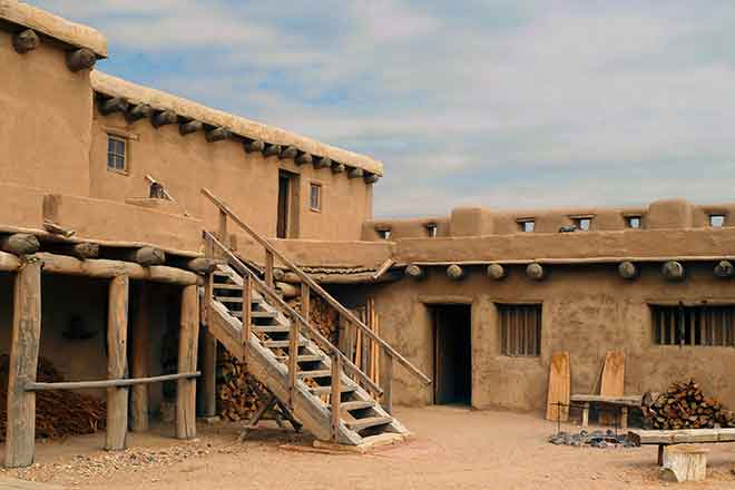 PROMO History - Bent's Old Fort Building Adobe NPS - Pixabay - Mike Goad