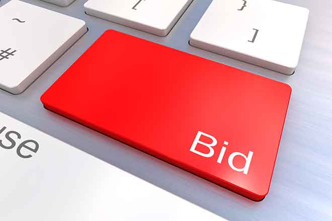 PROMO 64J1 Miscellaneous - Bid Auction Keyboard - iStock - head-off