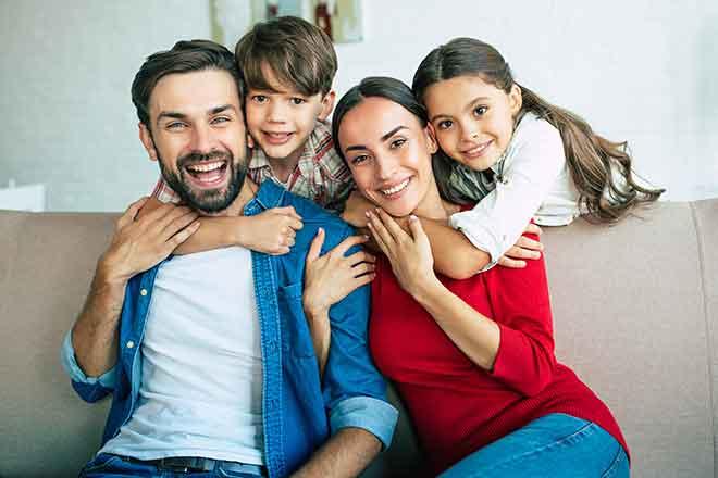 PROMO People - Family Mom Dad Mother Father Kids Children - iStock - Povozniuk