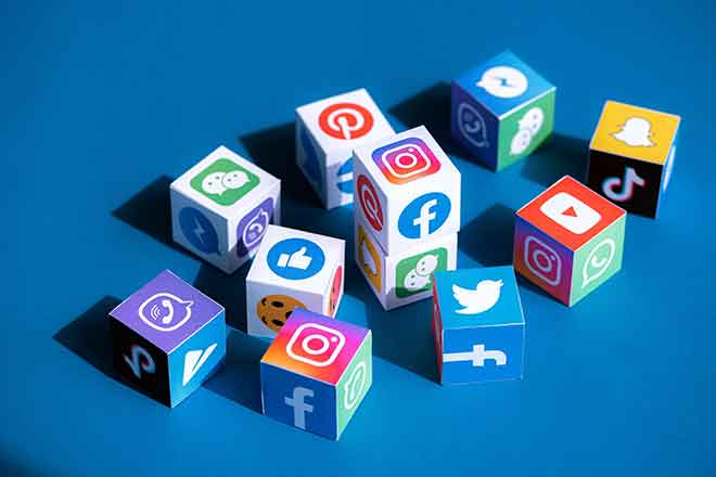 PROMO Technology - Social Media Logos - iStock - pressureUA