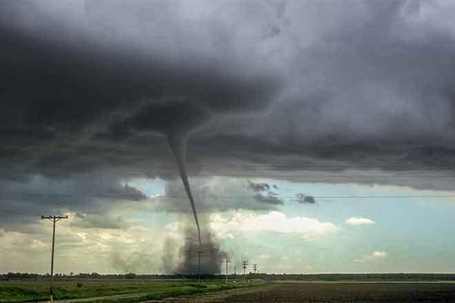 PROMO Weather - Tornado Storm Clouds Severe Thunderstorm - iStock - Meindert van der Haven