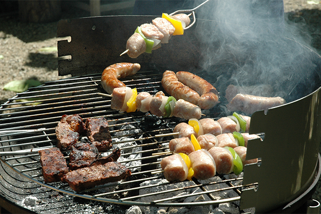 PROMO 660 x 440 Food - Meat Barbeque Grill BBQ - wikimedia - DimiTalen - public domain