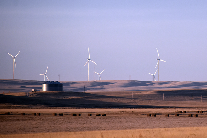 PROMO 660 x 440 Miscellaneous - Wind Farm Prairie Field Bales Power Electricity - Chris Sorensen