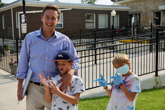Governor Candidate Tours Weisbrod Hospital - Son Later Becomes Patient