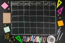 PROMO 64J1 Miscellaneous - Calendar School Chalkboard - iStock - fontgraf