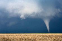 PROMO Weather - Tornado Thunderstorm - iStock mdesigner125