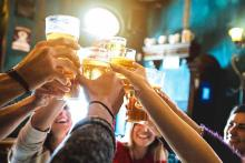 Miscellaneous - Celebration Alcohol Beer Glass People Pub Bar - iStock - ViewApart