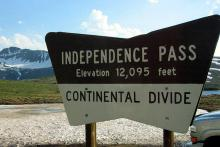 PROMO 660 x 440 Outdoors - Independence Pass Sign - Wikimedia