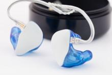 Why Singers Should Use In-Ear Monitors