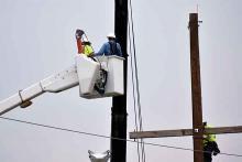 PROMO 64J1 Miscellaneous - Energy Power Electric Lineman Repair Pole Line - Chris Sorensen